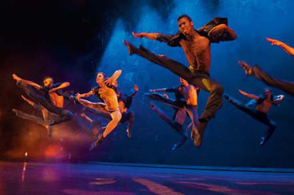 Ballet Revolucion returns to France with a new show!