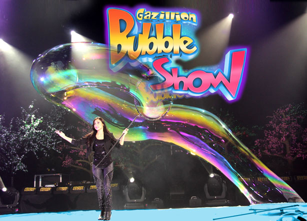 GAZILLION BUBBLE SHOW Enters Its 12th Year of UnBubblievable Fun In NYC