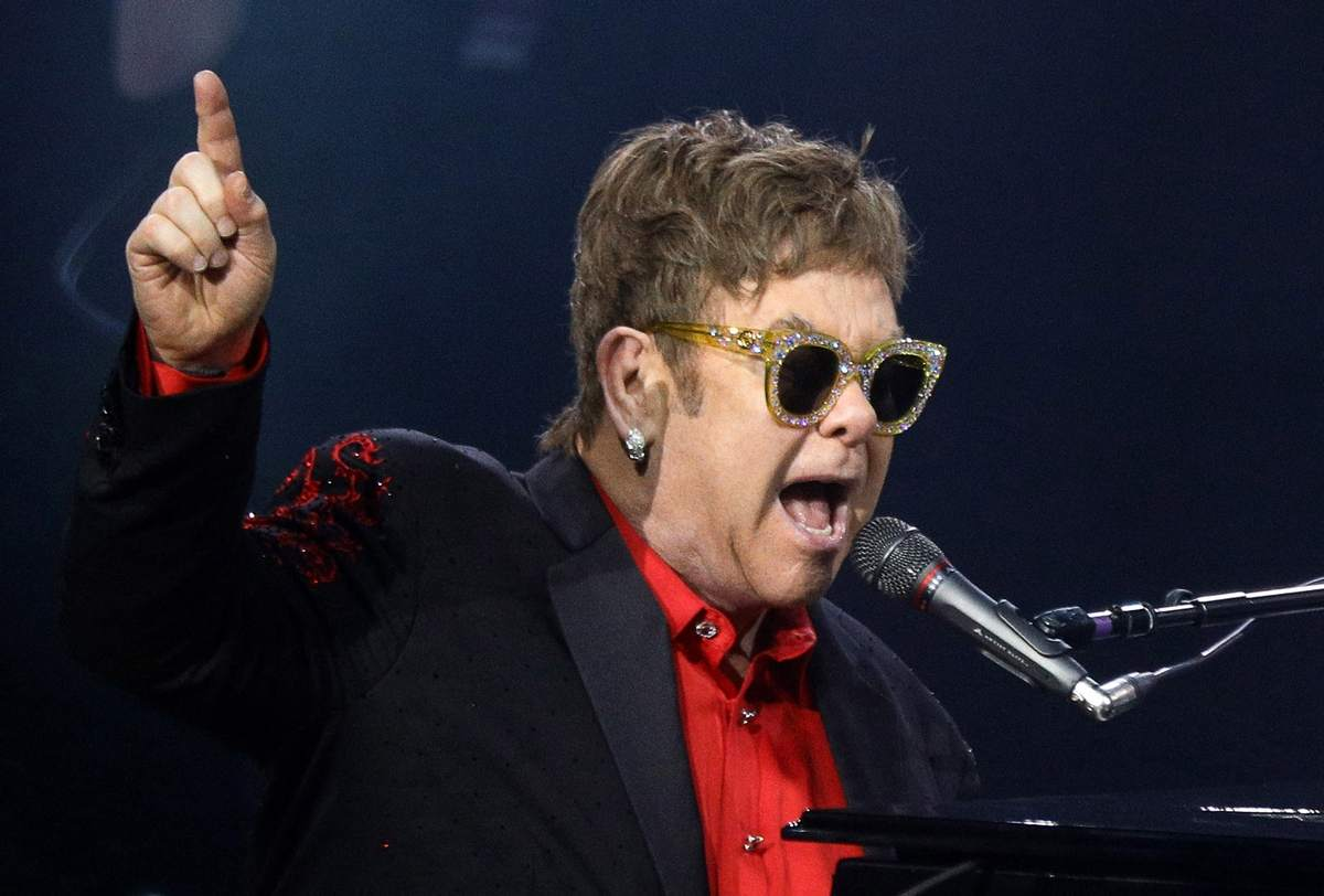 Elton John Extends His Last Tour