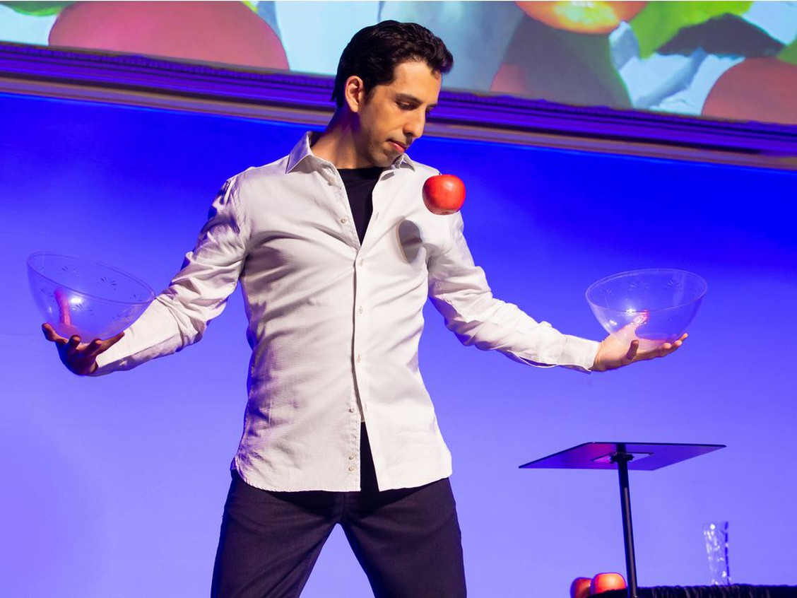 Vancouver-based magician Vitaly Beckman fools Penn & Teller for second time